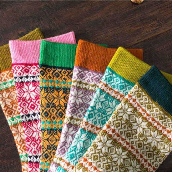 1 Pair Women Cotton Socks Harajuku Style Snowflake Design Multicolor Elastic Hosiery