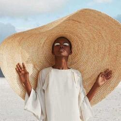 80cm Super Large Visor Hat Travel Holiday Seaside Sunscreen Folding Beach Straw Hat